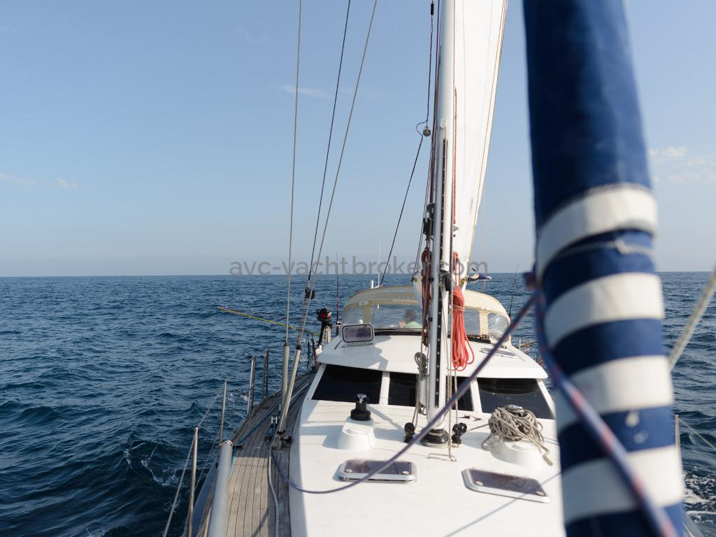 AYC Yachtbroker - JFA 45 Deck Saloon - Sous grand-voile