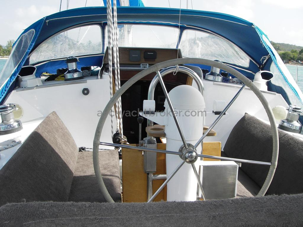 AYC Yachtbroker - Gael 43 - Poste de barre