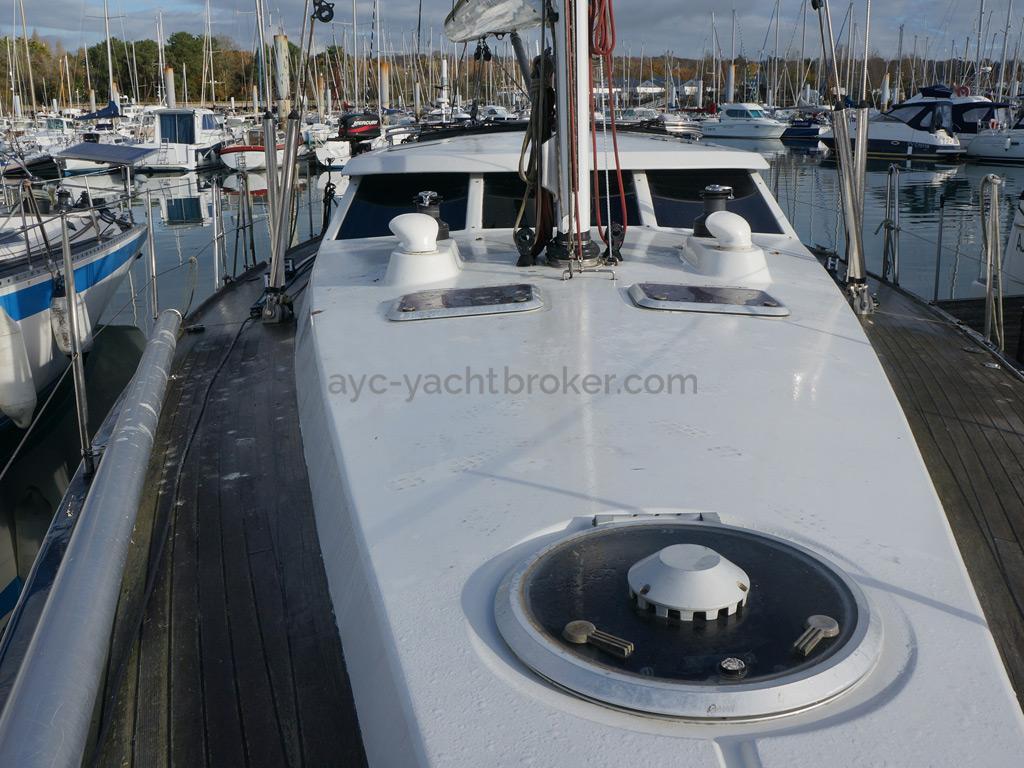 AYC Yachtbroker - JFA 45 Deck Saloon - Pont et rouf