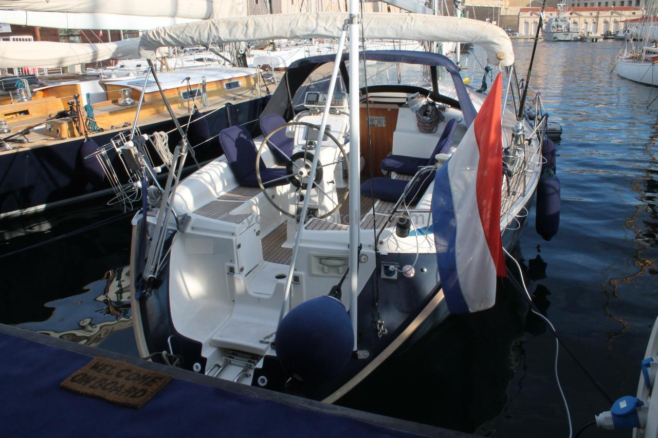 AYC - BAVARIA 37 au port