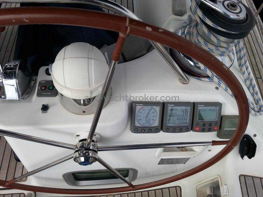 Sun Odyssey 54 DS - Poste de barre tribord