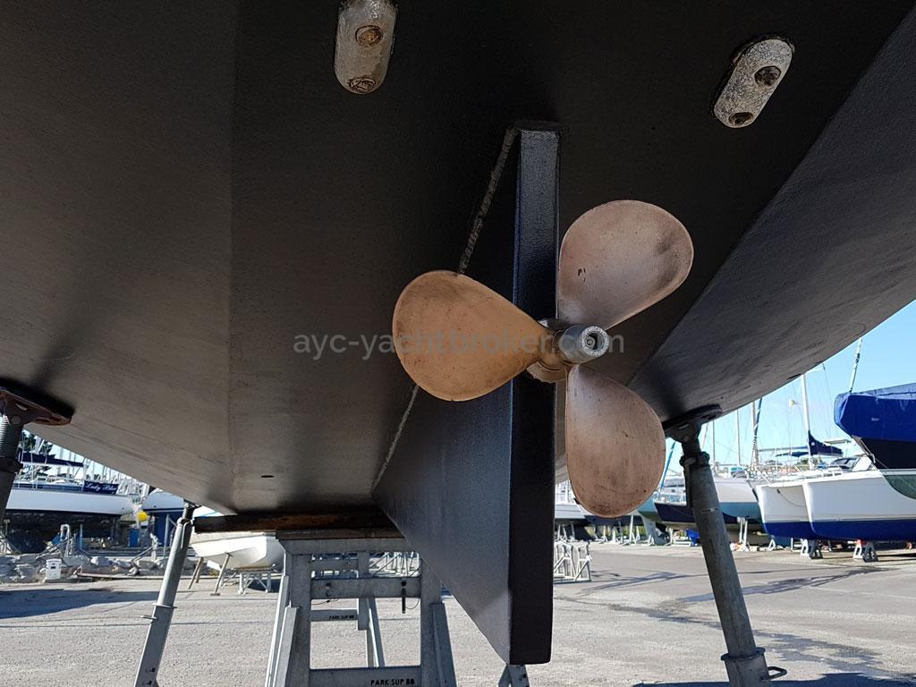 Atlantis 370 - Hélice tripale Maucour