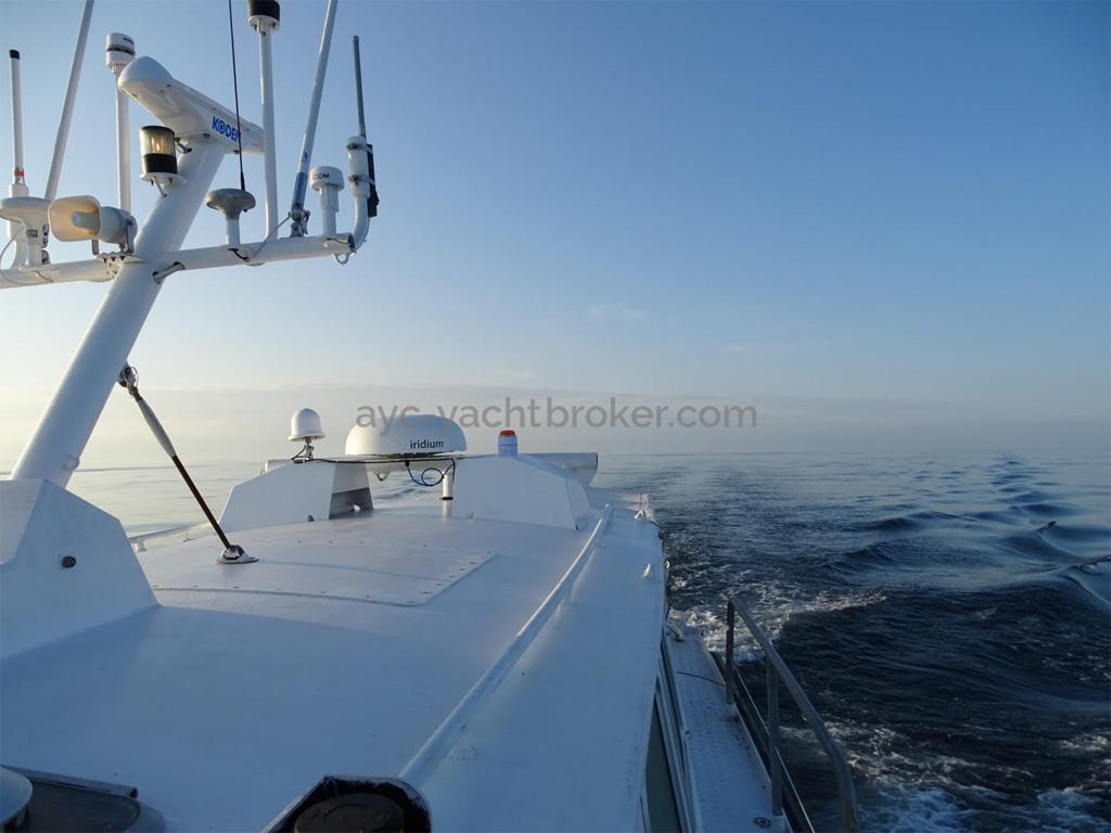 AYC Yachtbrokers - Trawler Meta King Atlantique - Rouf et mâtereau