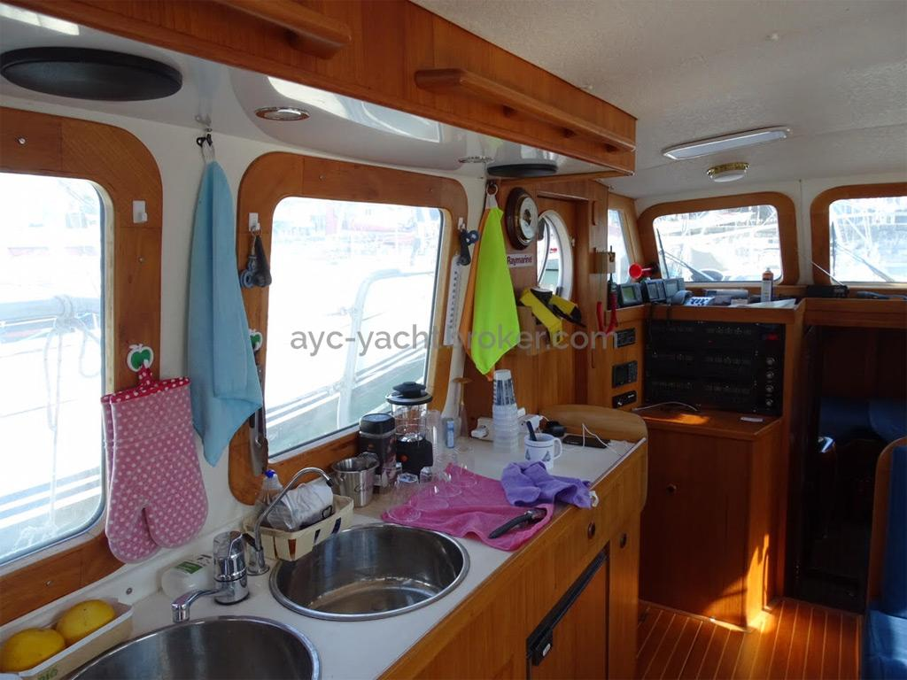 AYC Yachtbrokers - Trawler Meta King Atlantique - Cuisine