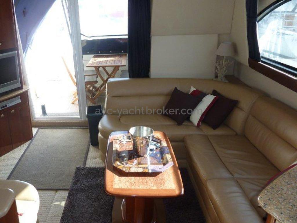 MERIDIAN 411 Sedan - Salon
