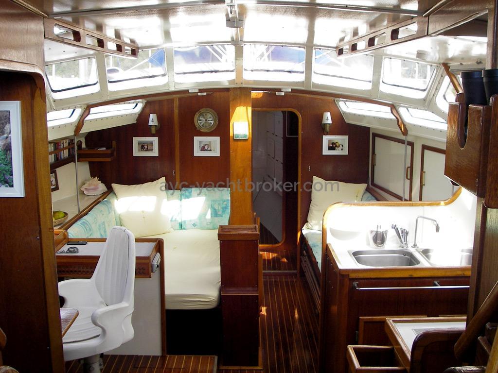 AYC Yachtbroker - Gael 43 - Carré