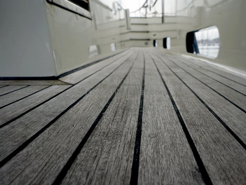 Searocco 1500 Trawler - Détail du pont teck
