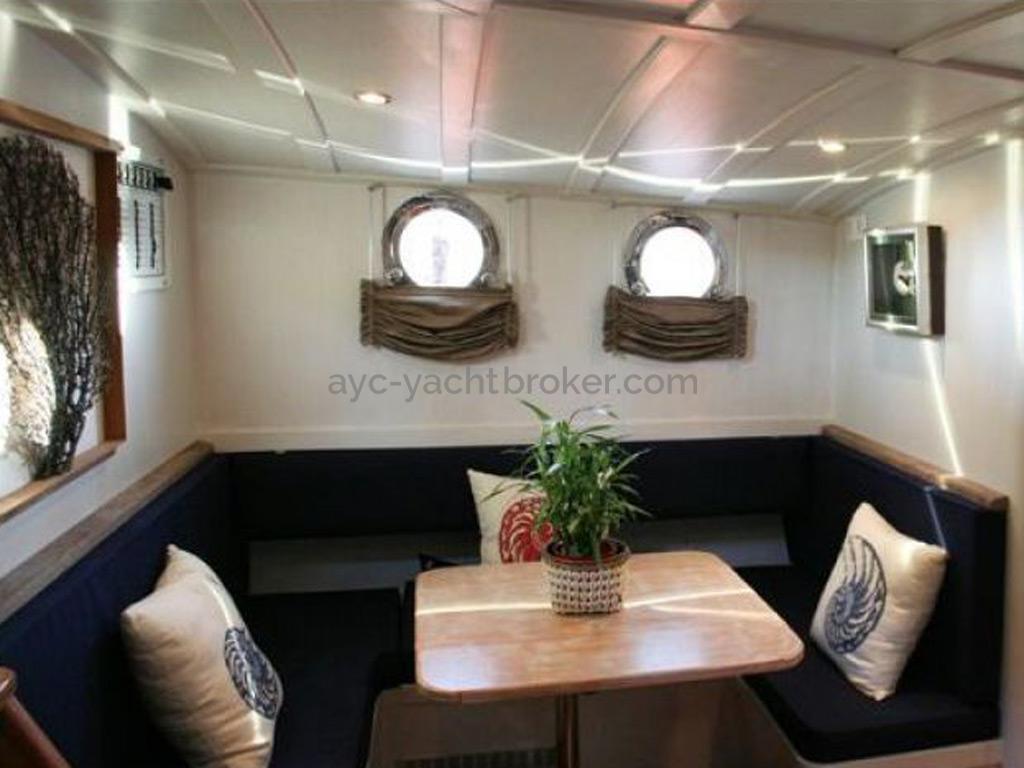 AYC Yachtbroker - Tirhandil 14.70 - Carré