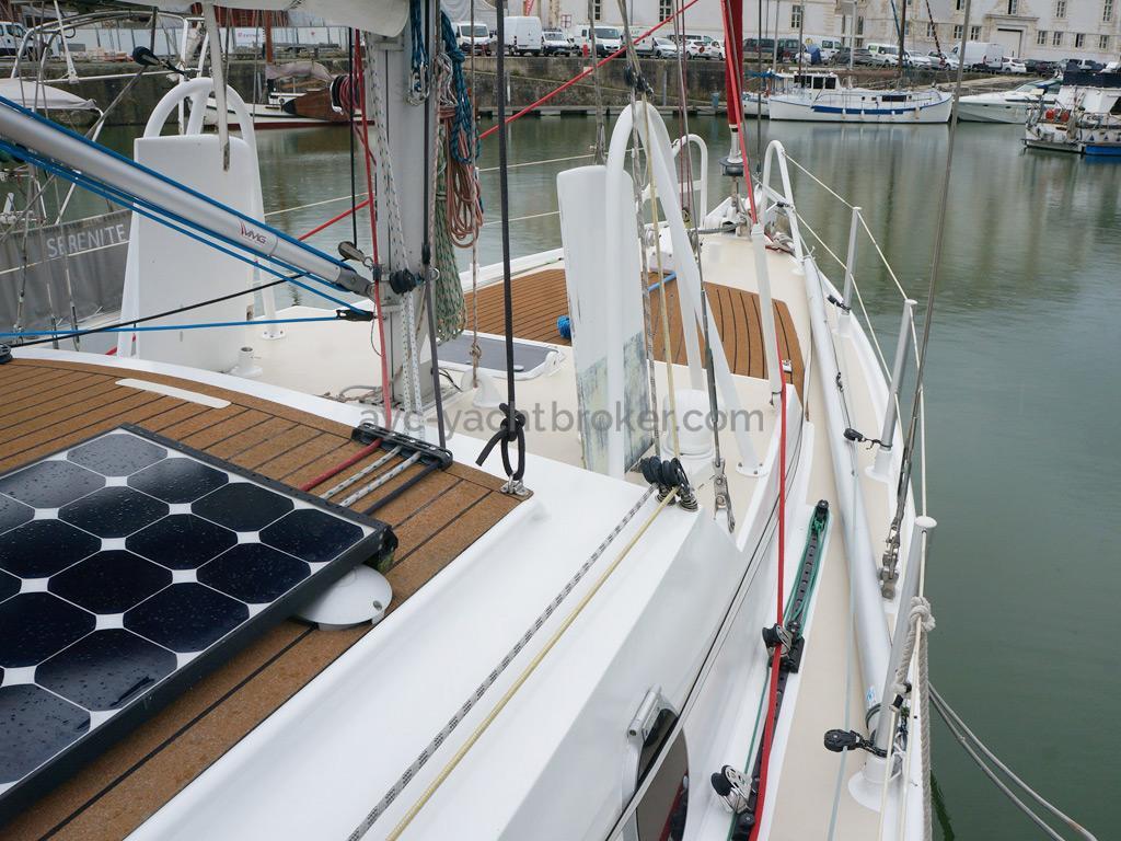 META JPB 35 - Rouf et panneaus solaires