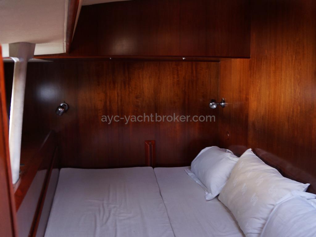 AYC Yachtbroker - JFA 45 Deck Saloon - Cabine avant