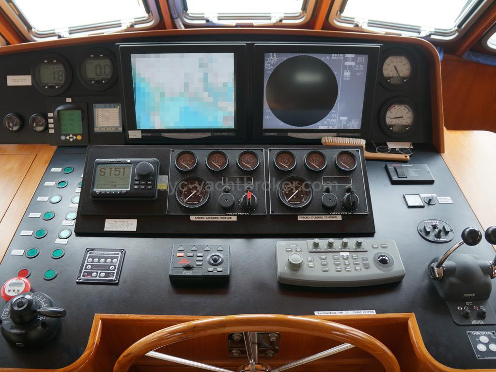 Searocco 1500 Trawler - Poste de barre principale
