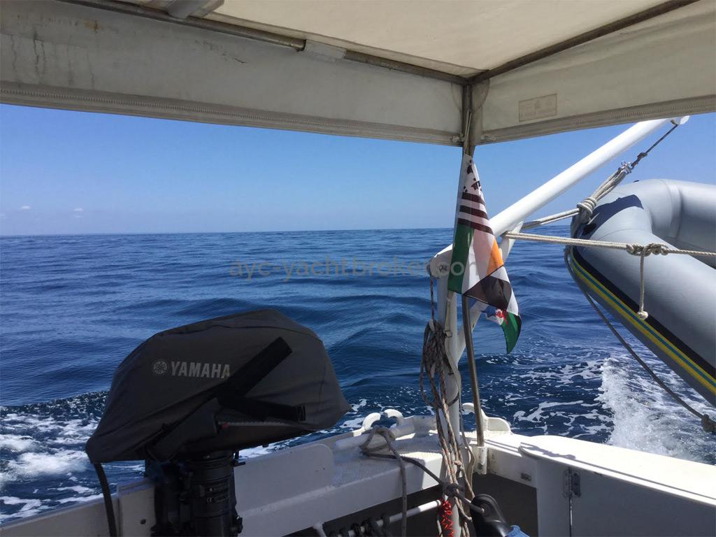 AYC Yachtbrokers - Trawler Meta King Atlantique - Cockpit protégé
