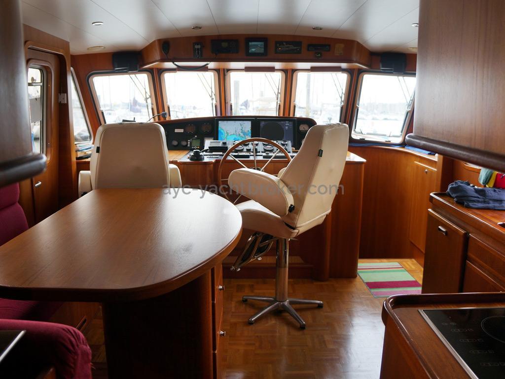 Searocco 1500 Trawler - Carré / cuisine / timonerie