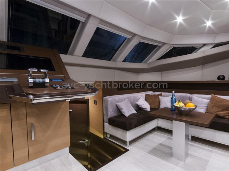 Mezzanine avec salon et pilotage