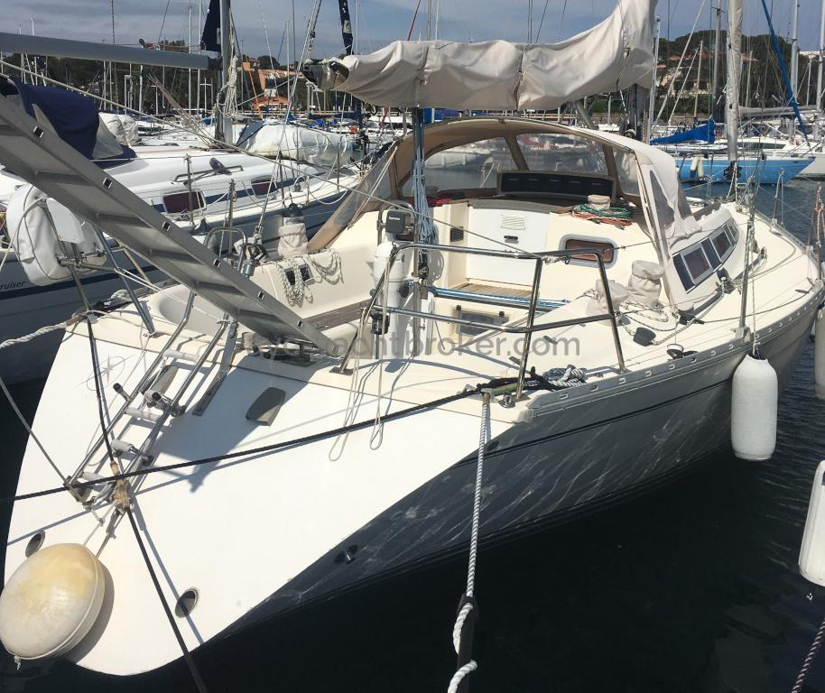 Sun Shine 38 - AYC International Yachtbroker