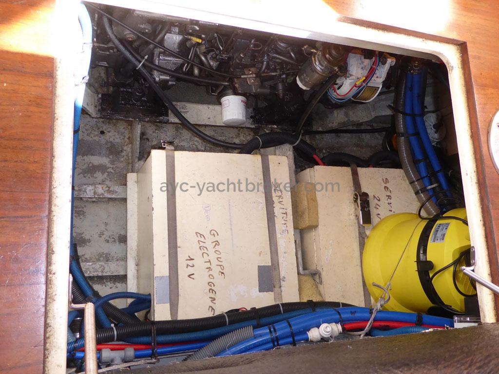 AYC - Azzuro 53 / Cale moteur