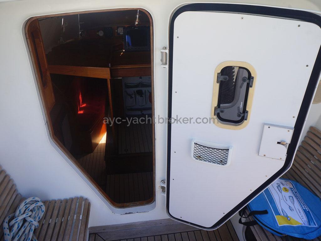 AYC - Akela 50 / Porte de cockpit