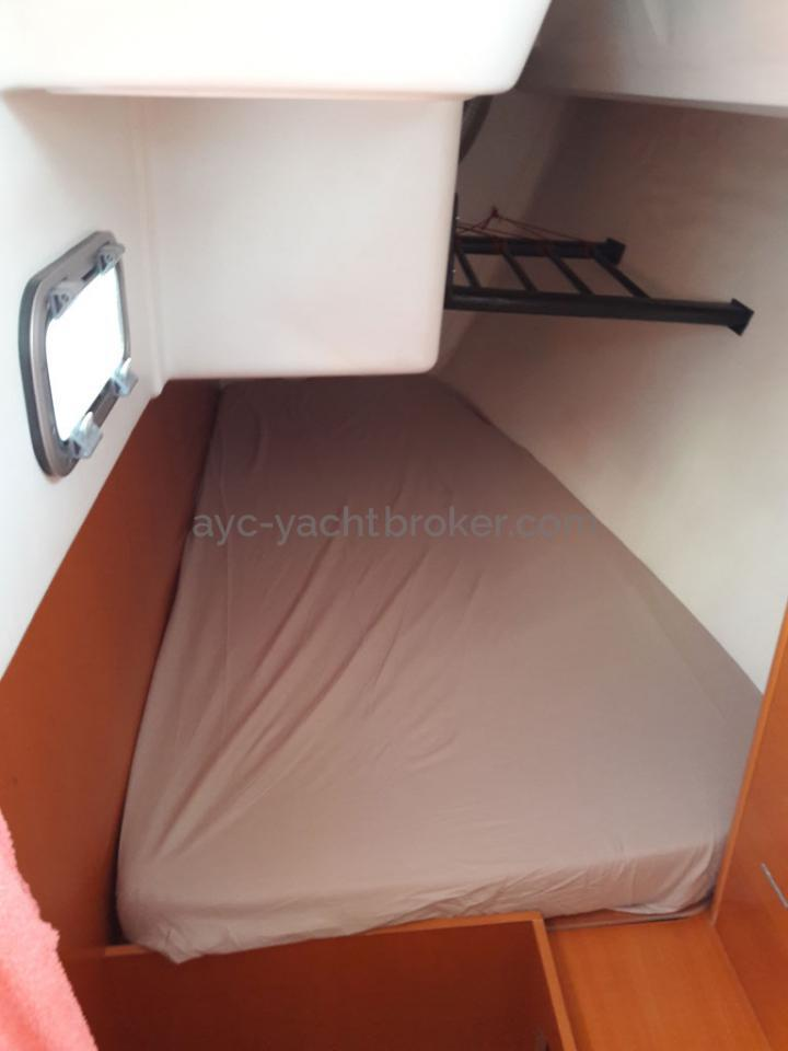 AYC - First 34.7 / Cabine arrière babord