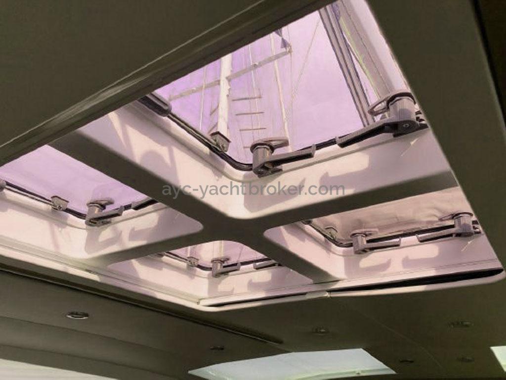 AYC - Jeanneau 57 / Panneaux plafond du carré