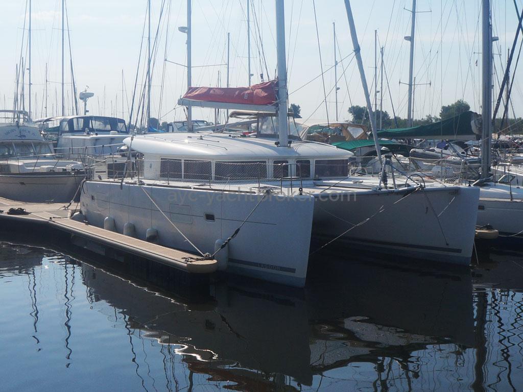 AYC - Lagoon 400