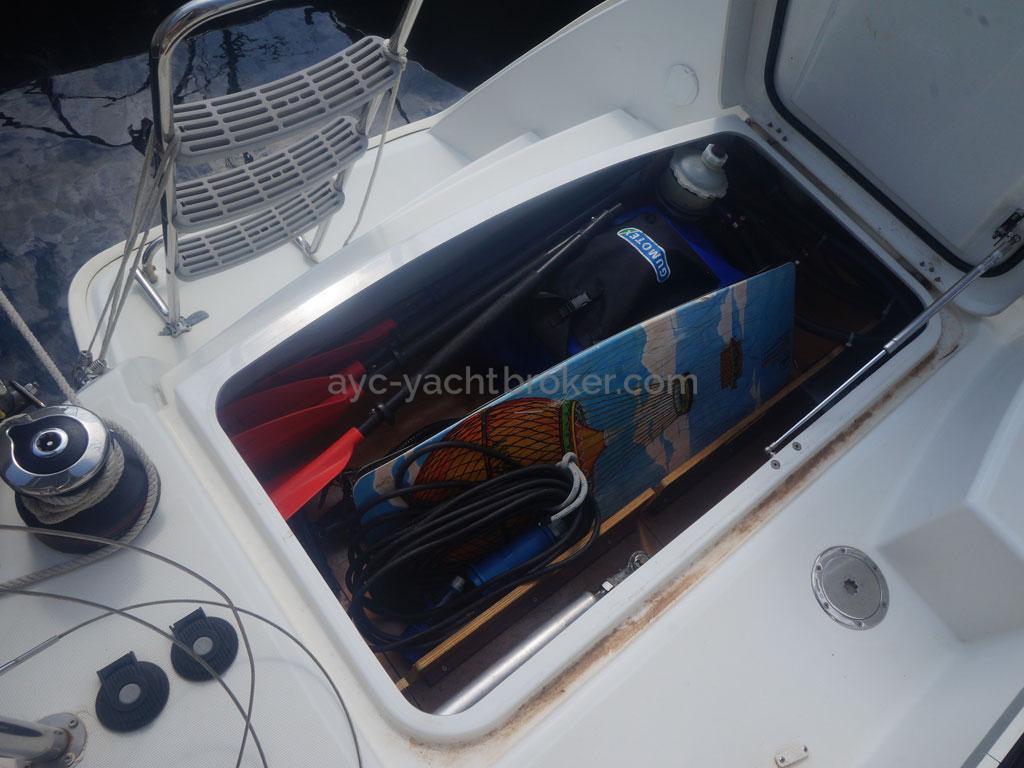 AYC - Lagoon 400 / Coffre extérieur
