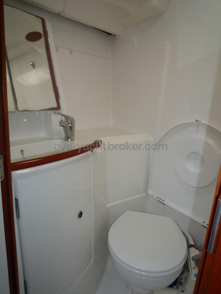 AYC - Oceanis 423 / Salle d'eau avant