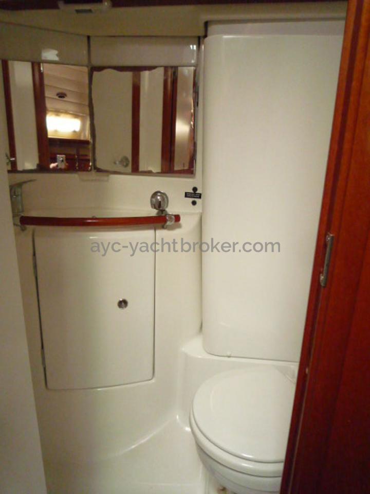 AYC - Oceanis 423 / Salle d'eau arrière