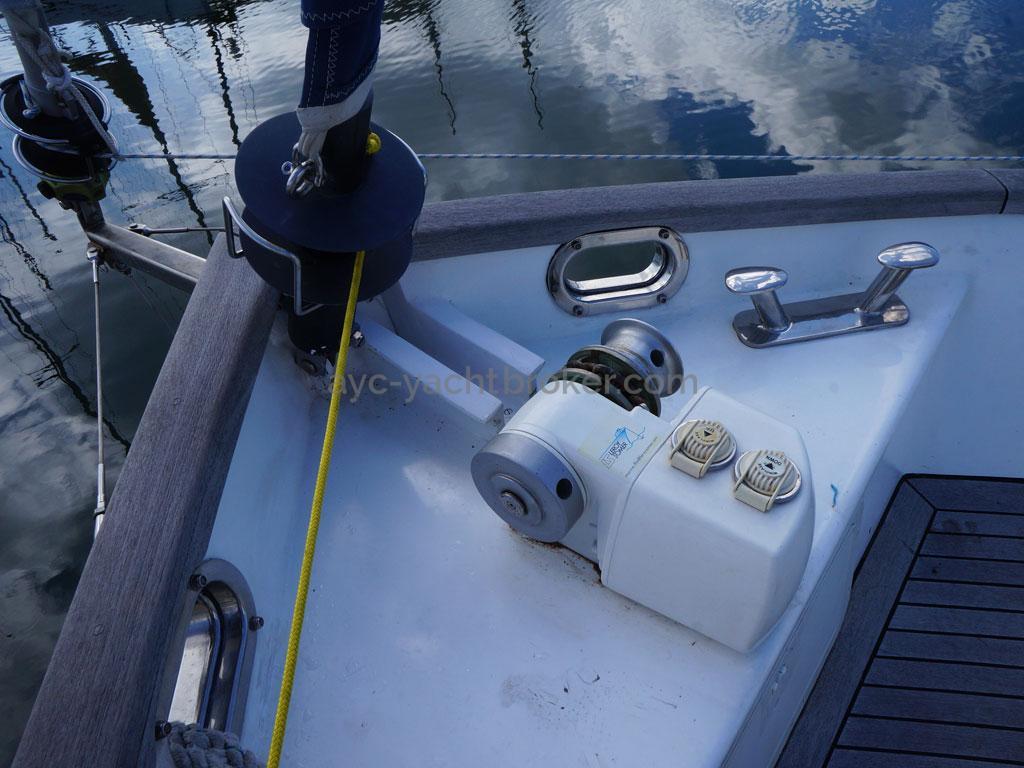 AYC - Trawler fifty 38 / Gindeau et enrouleurs
