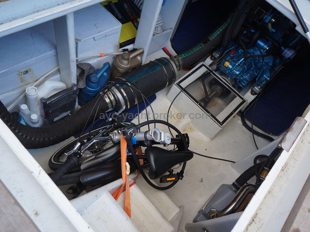 AYC - Trawler fifty 38 / Salle des machines