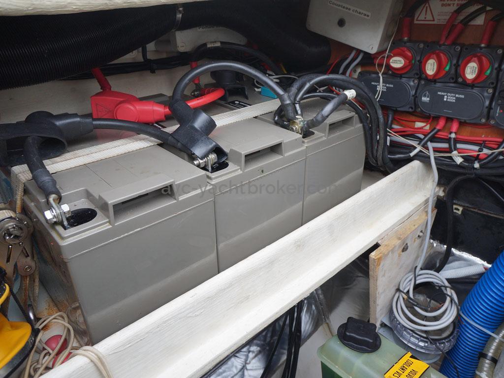 AYC - Lavezzi 40 / Parc batterie
