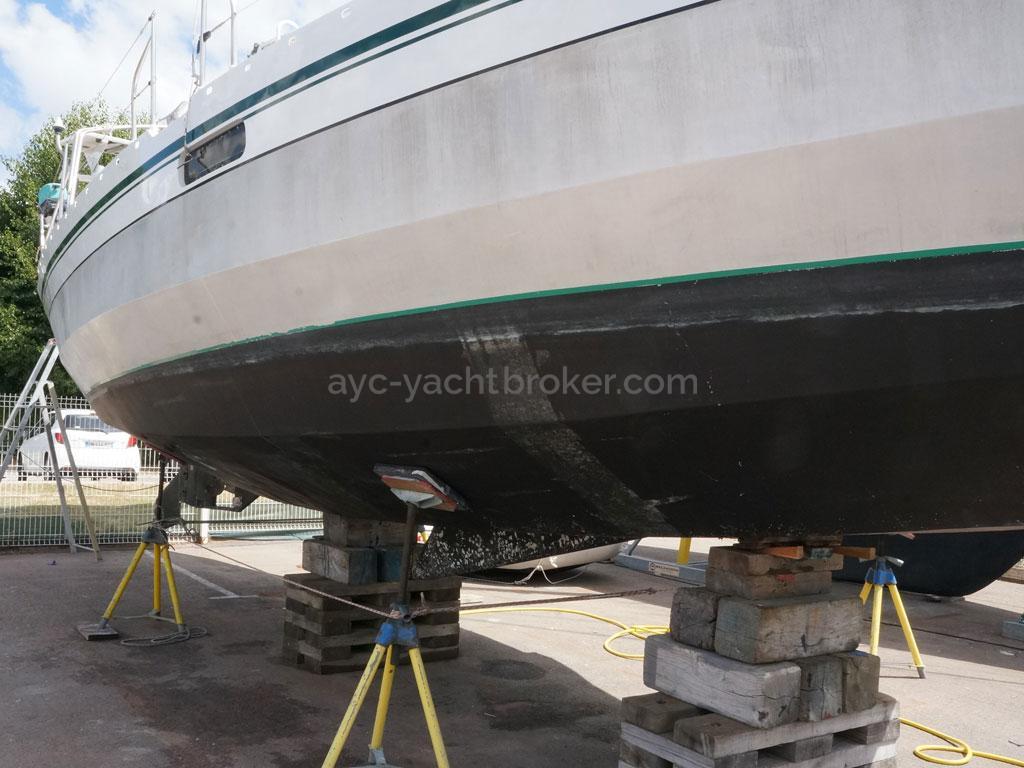 AYC - Ovni 36