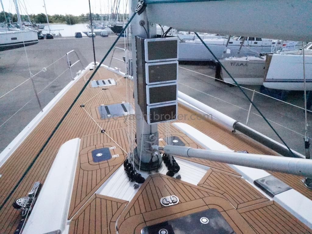 AYC Yachtbroker - GRAND SOLEIL 54 - pied de mât