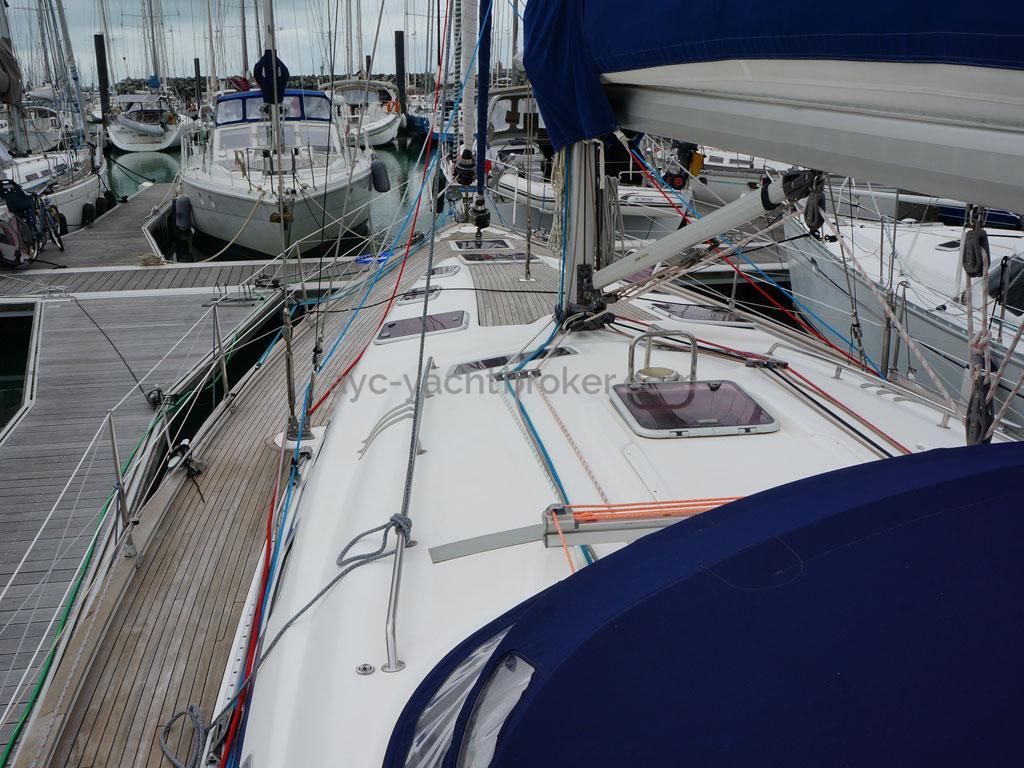 AYC Yachtbroker - Passavant bâbord