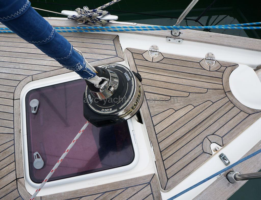 AYC Yachtbroker - Enrouleur de trinquette