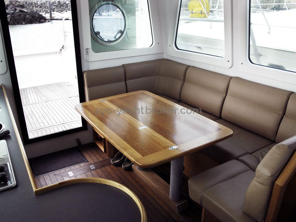 AYC Yachtbroker - Trawler Meta King Atlantique - Carré