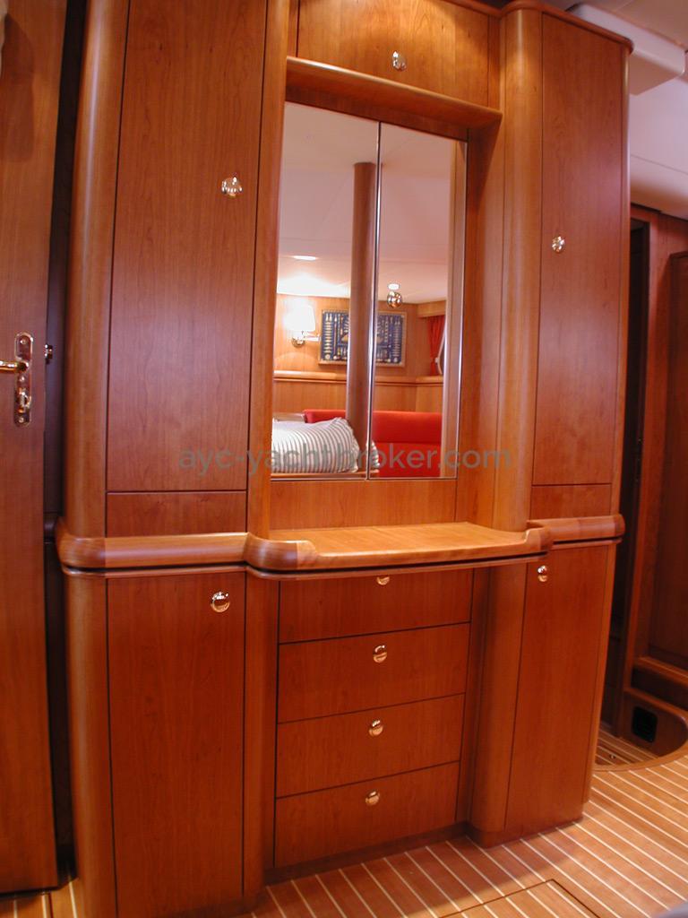 Nordia 65 - Coiffeuse/meuble de la cabine arrière propriétaire