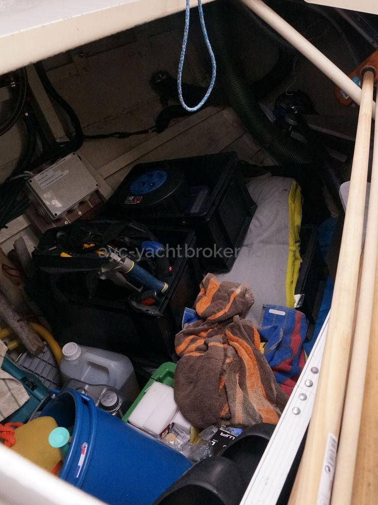 OVNI 47 - Grand coffre de cockpit tribord