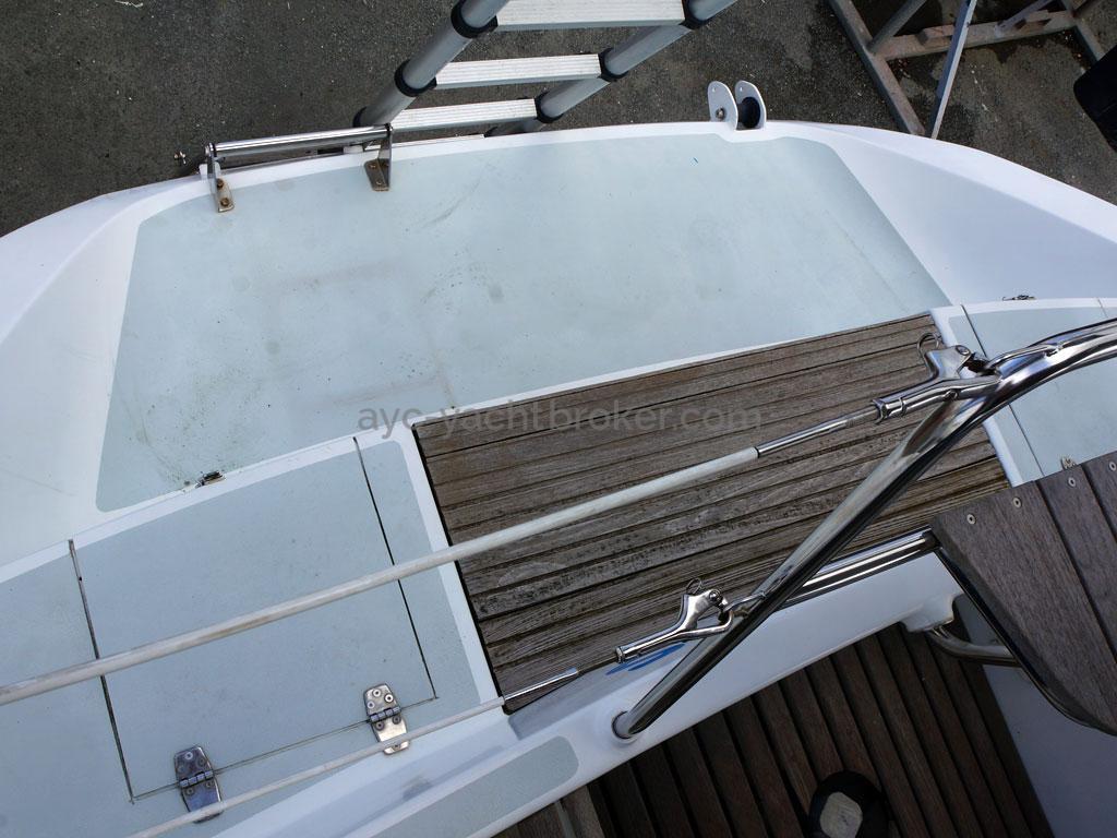 OVNI 435 - Jupe arrière