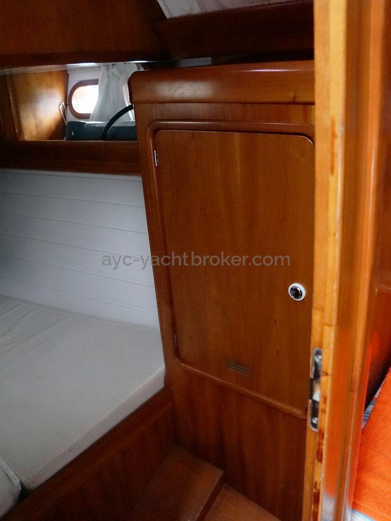 OVNI 455 - Penderie de la cabine arrière bâbord