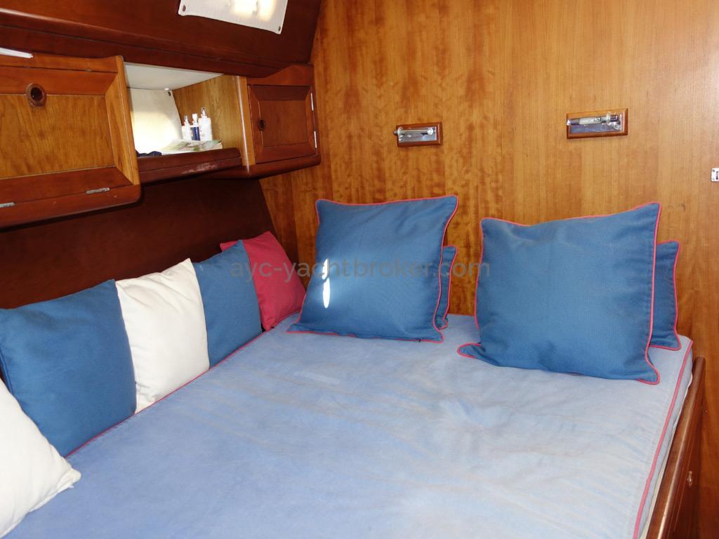 Universal Yachting 49.9 - Couchette double de la cabine avant