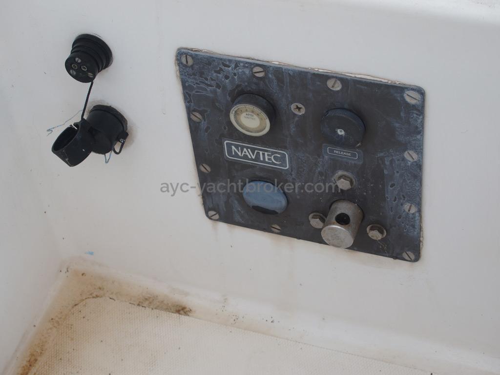 Shark 50 - Panneau de contrôle hydraulique navtec