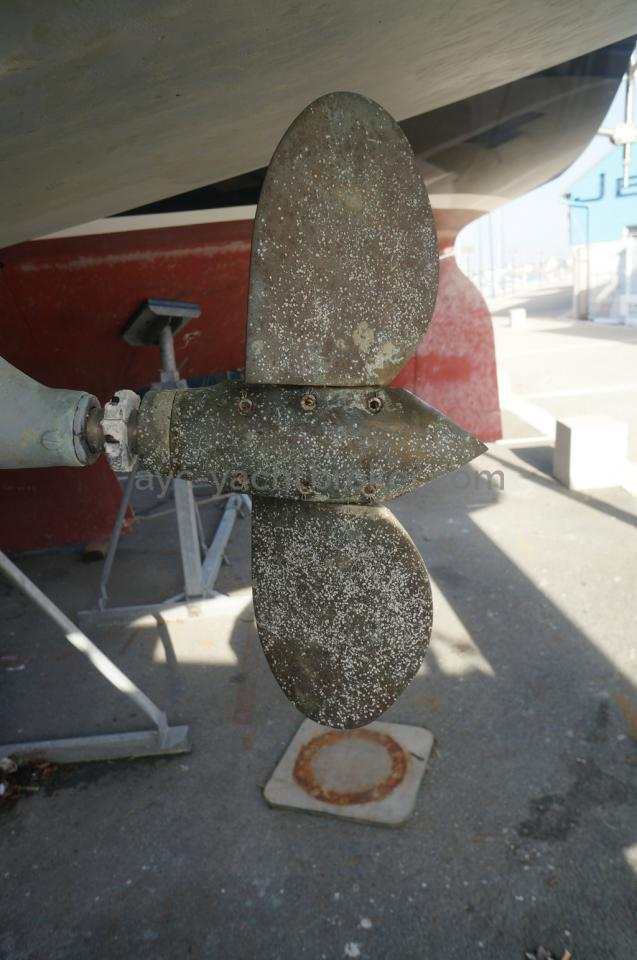 Hélice bipale repliable