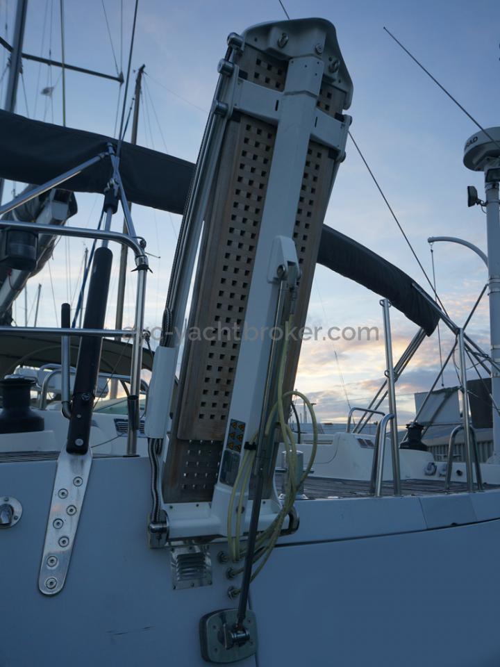 Hanse 531 - Passerelle téléscopique