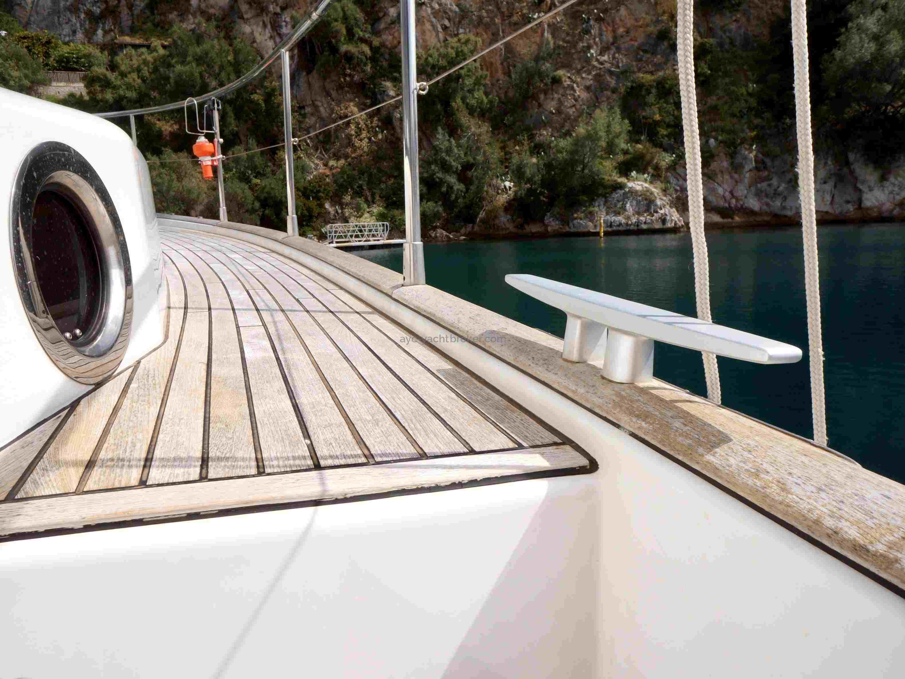 AYC - Swift Trawler 44 by Beneteau