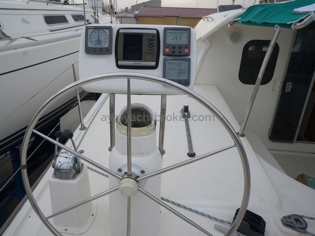 Nautitech 435 - Poste de barre bâbord