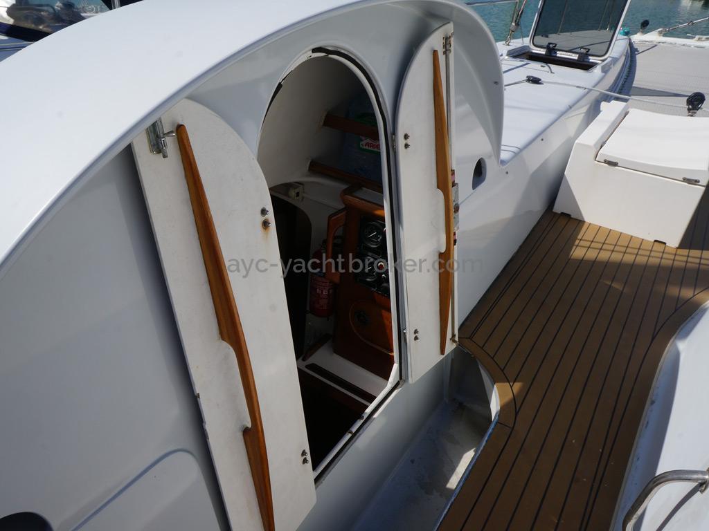 Catamaran 51' - Descente coque Babord