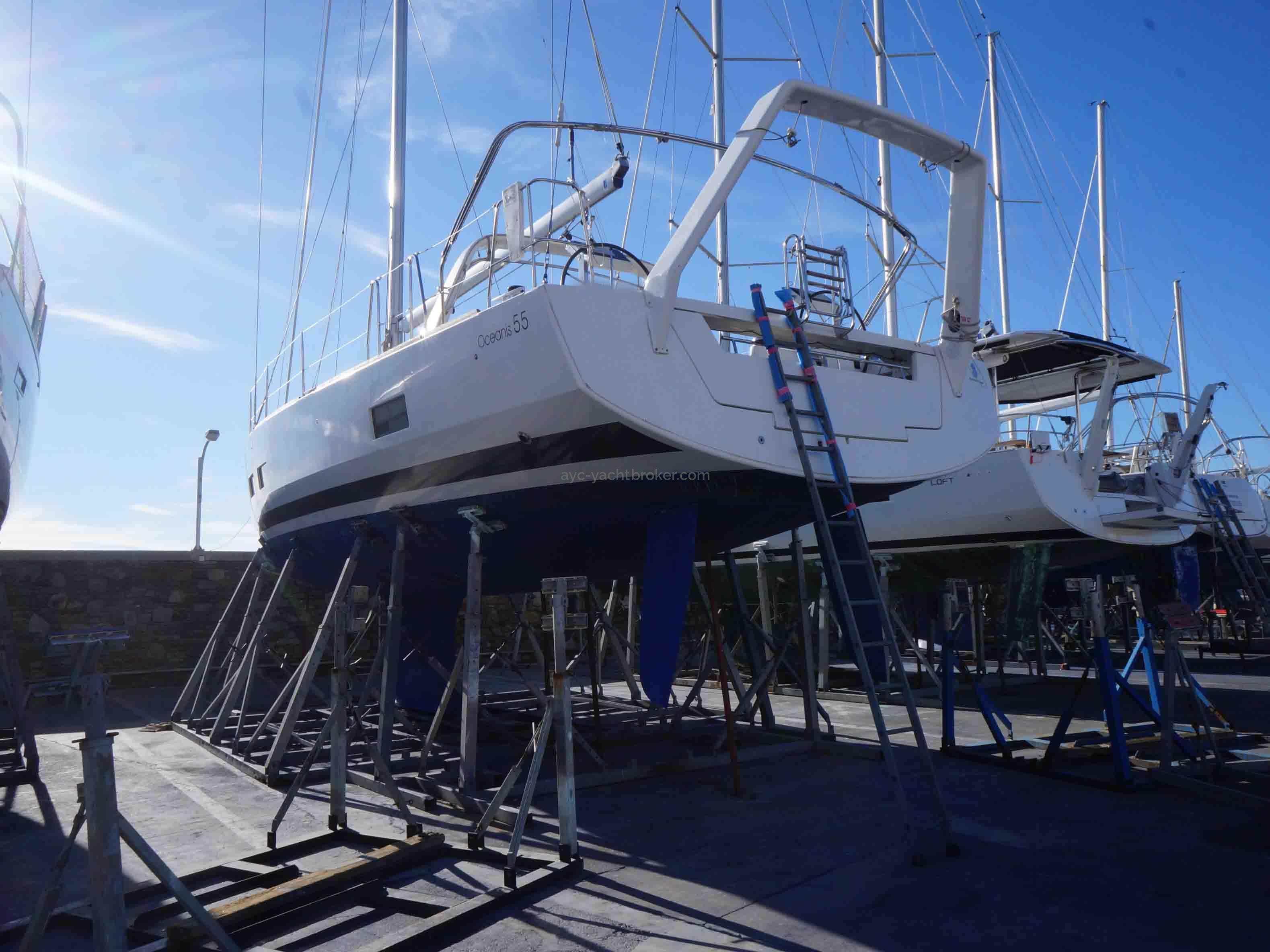 OCEANIS 55 - AYC International Yachtbrokers - Au sec