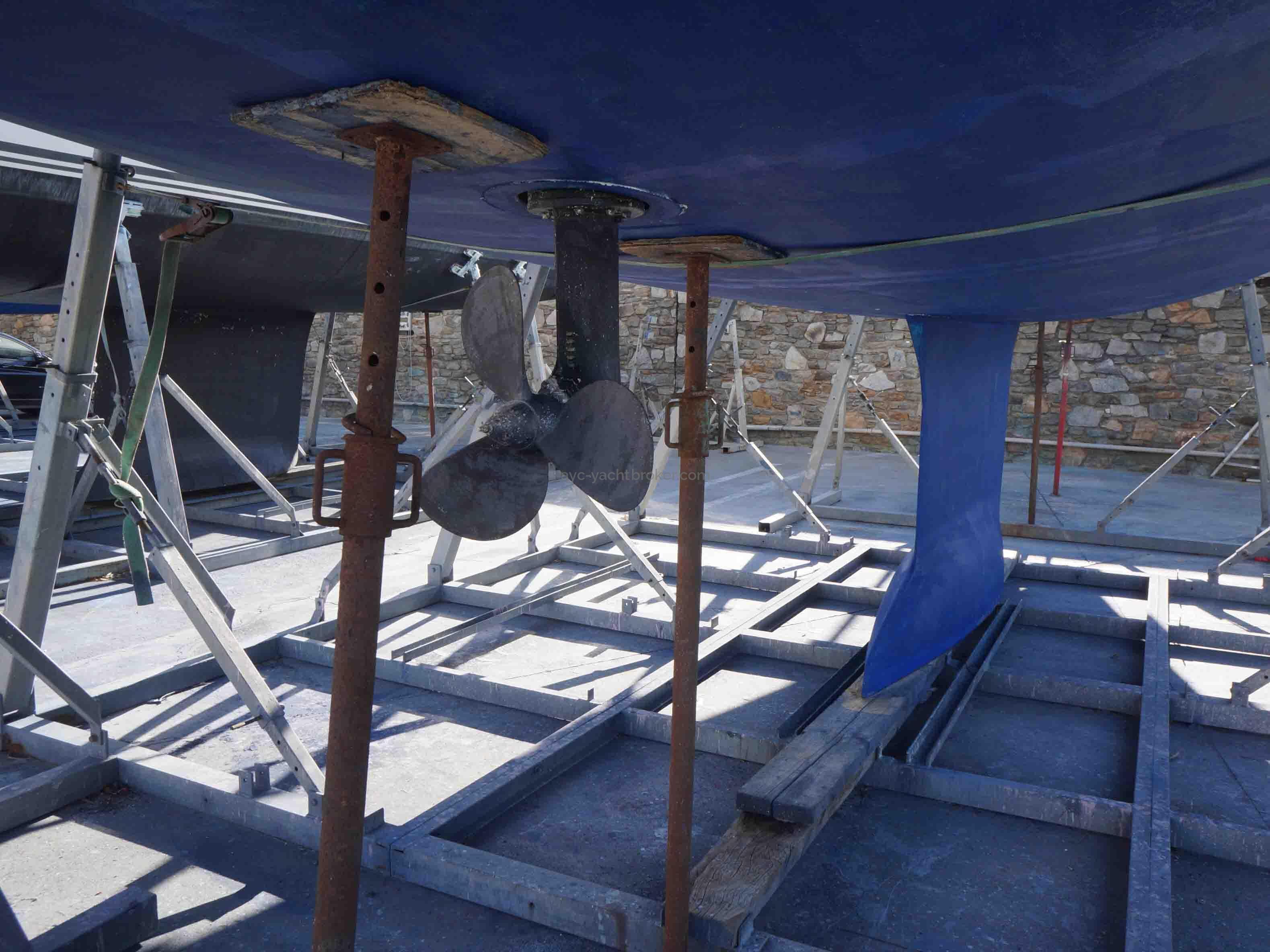 OCEANIS 55 - AYC International Yachtbrokers - Profilé de la coque