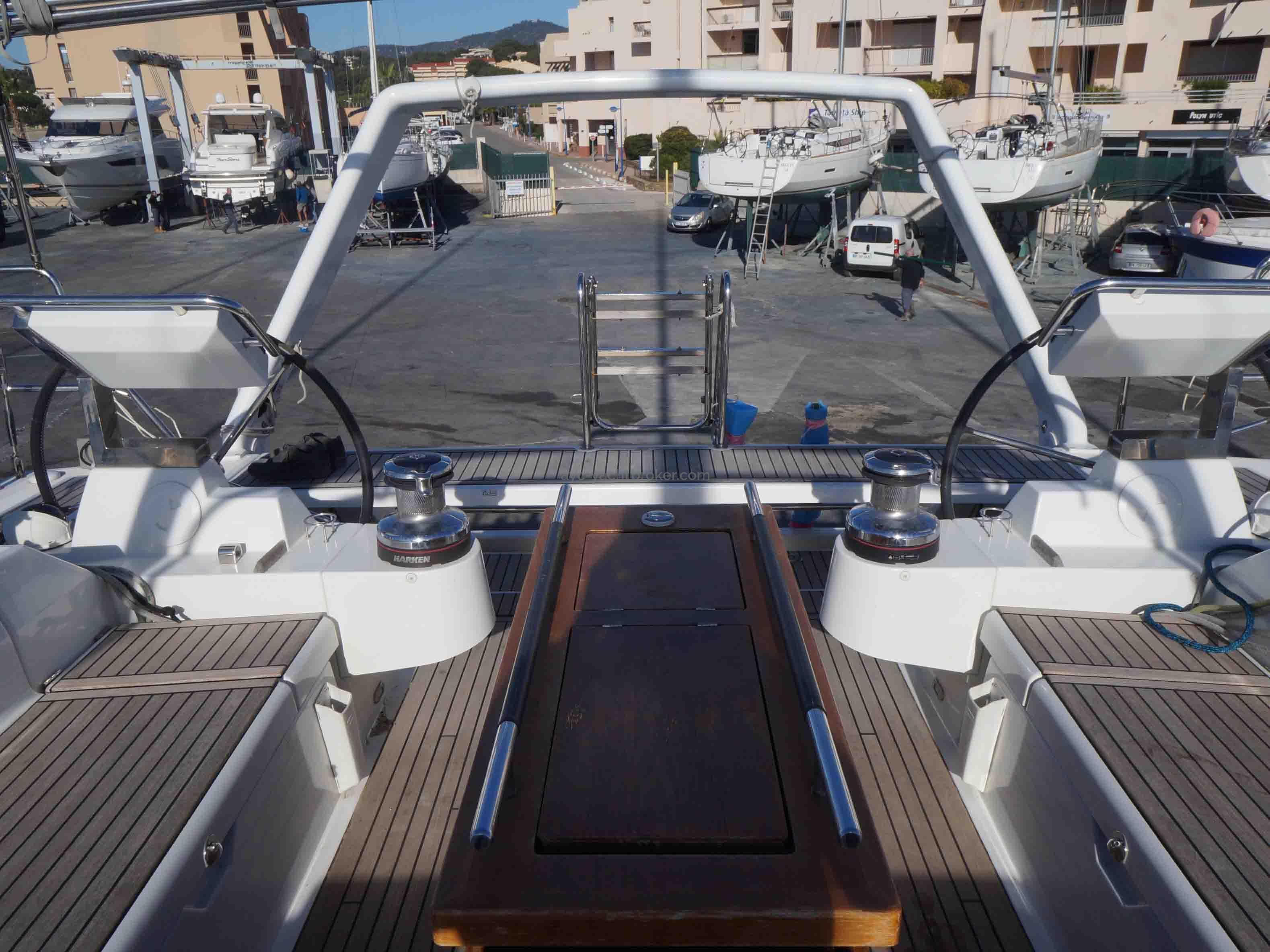 OCEANIS 55 - AYC International Yachtbrokers - Cockpit