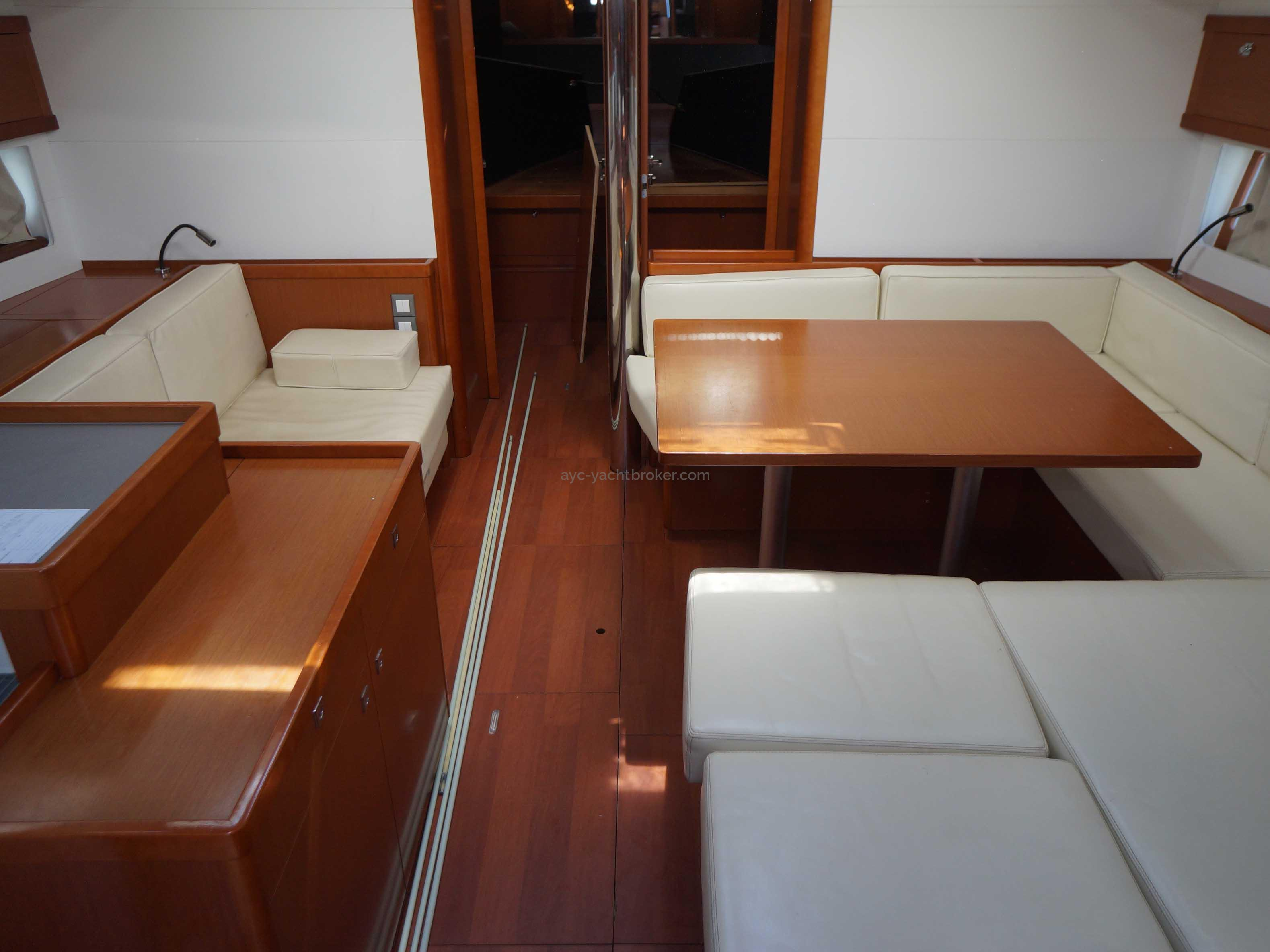 OCEANIS 55 - AYC International Yachtbrokers - Carré